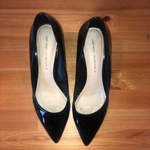 Zara pointed toe black patent pumps